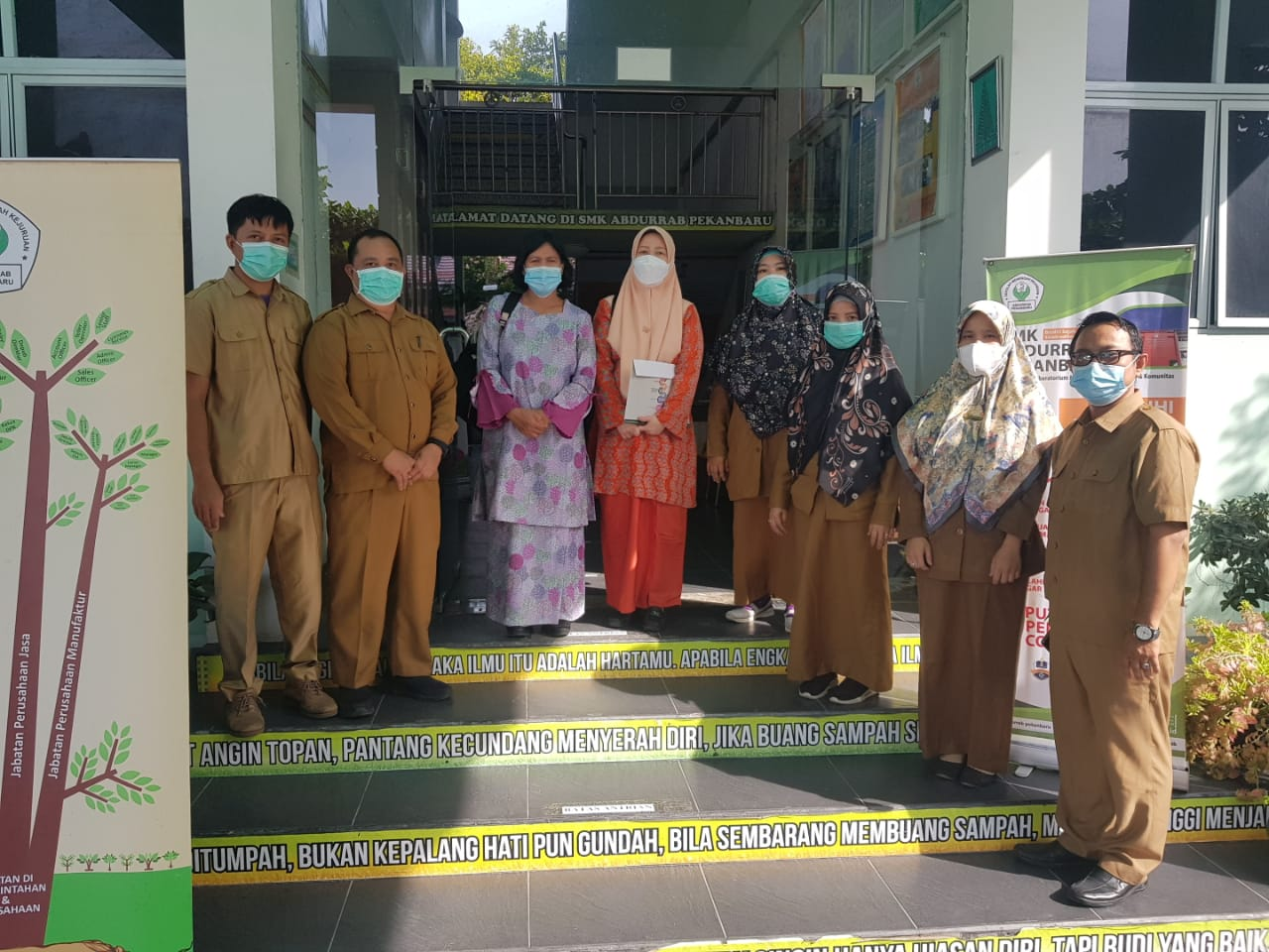 285-kunjungan-juri-adiwiyata-prov-riau-ke-smk-abdurrab-pekanbaru